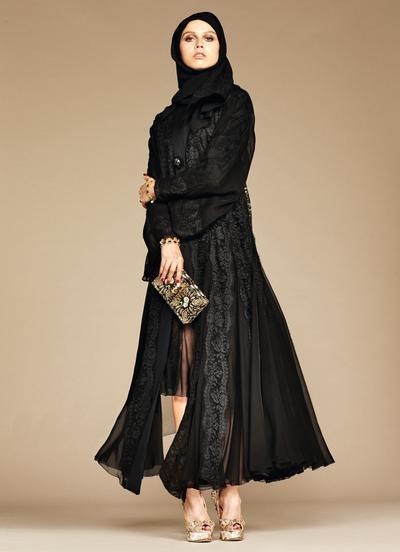 Dolce & Gabbana lance sa ligne de hijabs et abayas