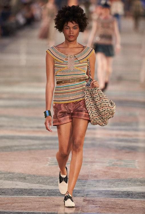 En images : revivez le défilé Chanel à Cuba