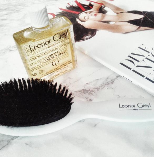 Découvrez les conseils de l'Institut Leonor Greyl pour bien choisir et appliquer son huile capillaire