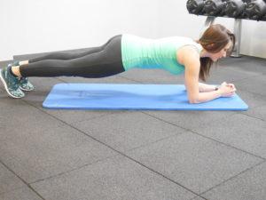 back-to-sport-remise-en-forme-avec-la-coach-cecile-giornelli-de-goldn-coach-nutrition-jambes