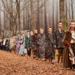 Chanel recrée la forêt pour son défilé prêt-à-porter automne-hiver 2018