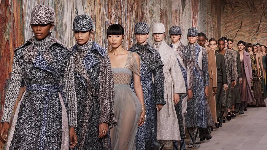Le défilé Dior haute couture automne-hiver 2021-2022 au Musée Rodin
